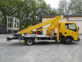 Renault Maxity / Multitel MT 182 AZ